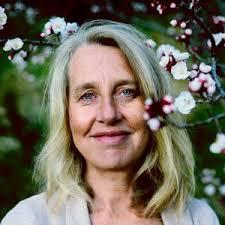Anne Sono